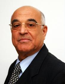 الأستاذ / أحمد الصباغ